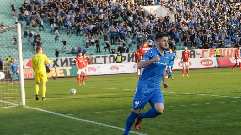 Бивш нападател на Левски прибра над 30 бона от ЦСКА