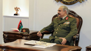 Армията на Хафтар потопи турски кораб с оръжия в пристанището на Триполи