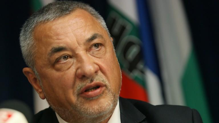 Валери Симеонов: Искат ми оставката, а не извинението