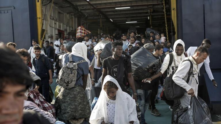 """Съветът на Европа критикува Гърция за """"отчайващи"""" условия за мигранти в лагери"""