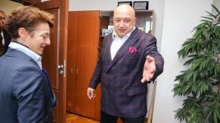 Министър Кралев се срещна с генералния секретар на Международната федерация по ски Сара Люис