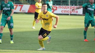 Станислав Шопов удължи договора си с Ботев (Пд)