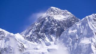Алпинисти от САЩ и Швейцария загинаха от изтощение на Еверест