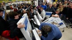 """Какво и как пазаруваха най-много американците на """"Черния петък"""""""