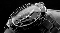 Невиждан от 80 години удар по продажбите на луксозни швейцарски часовници