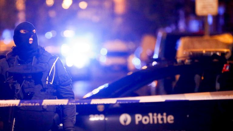 Подпалени коли и ранени полицаи в Брюксел след футболен успех на Мароко