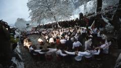 Ледени води и горещо мъжко хоро в Калофер