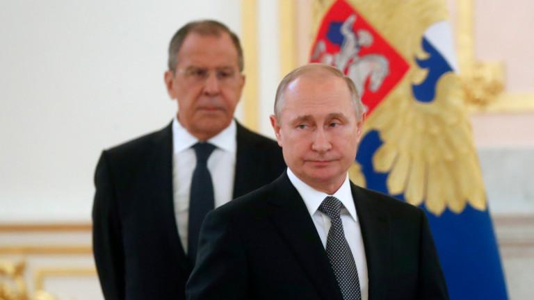 Путин официално изтегли Русия от ядрения ракетен договор
