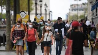 Рекордни близо 5000 новозаразени с COVID-19 във Франция