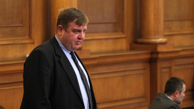 Отношенията в коалицията не зависят от скандали, убеден Каракачанов