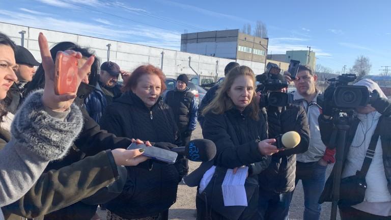 Описват и извозват химикалите, открити в бивш военен завод във Враца
