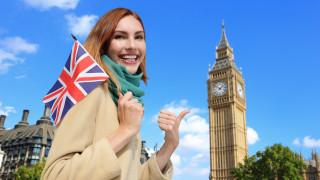 Лондон иска туристите, студентите и