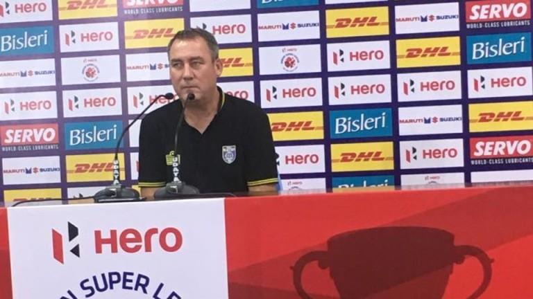 Бербатов остана без треньор