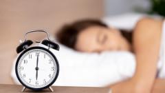 Какво се случва, ако спим само шест часа на нощ