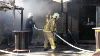Пожар изпепели цех за пилета във Враца