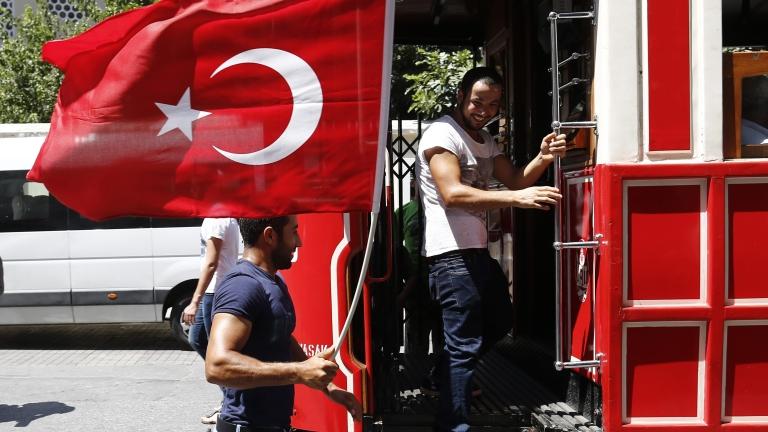 Аматьорският военен пуч в Турция развърза ръцете на Ердоган