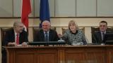 Депутатите успяха да съберат кворум от третия опит