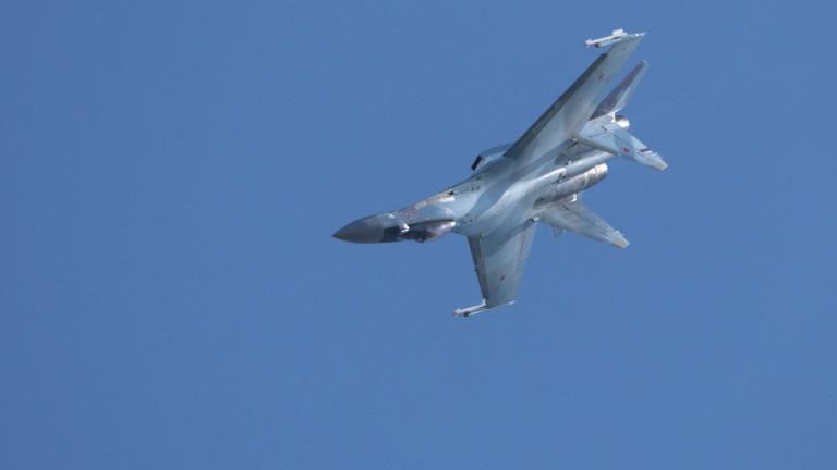 """Пилоти на Русия пресрещат """"опасно"""" самолети на ВМС на САЩ"""