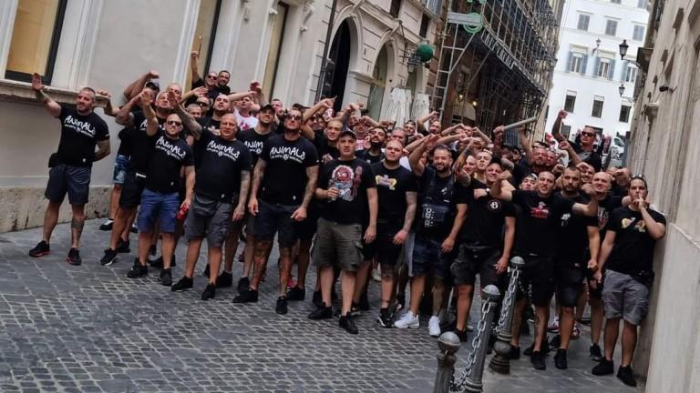 Многобройната агитка на ЦСКА вече е в Рим