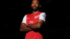 Анри: Санчес е номер 1 в Арсенал
