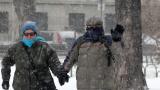 Над 50 пострадали от леда в столицата само за часове