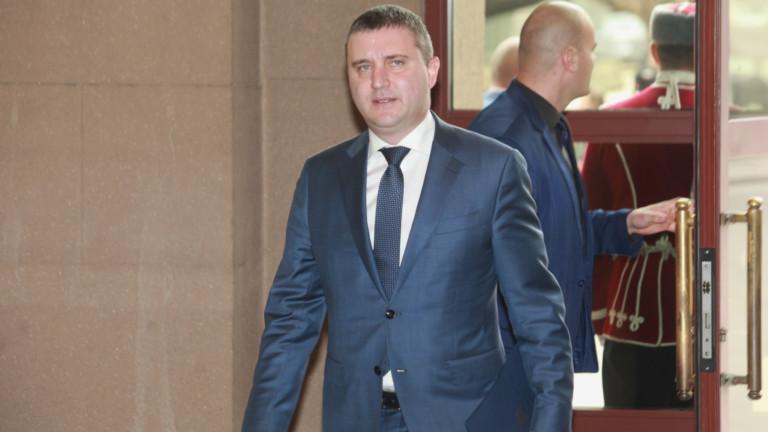 Изтеклите данни от НАП не могат да навредят на българските