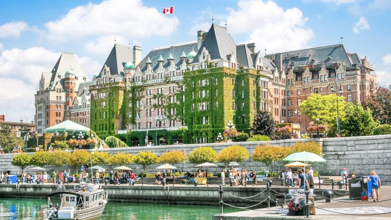 Малкият канадски град Виктория е най-горещият пазар на луксозни имоти