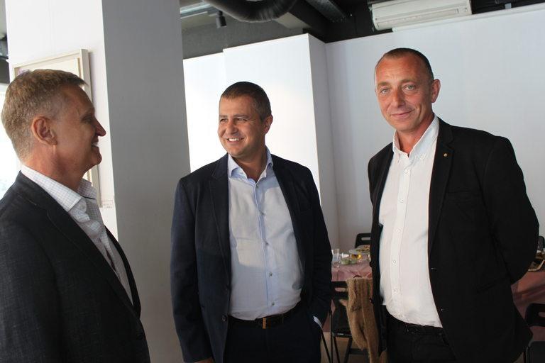 От ляво надясно - Красимир Шалев, член на УС, Димитър Савов член на УС и Георги Шопов, председател на УС