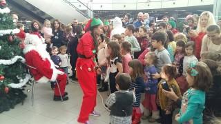 Дядо Коледа кацна на летище София