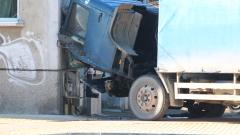 Техническа неизправност на камиона може да е причина за инцидента в Казанлък