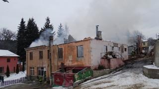 Депутатите помагат за възстановяването на читалището в Скребатно