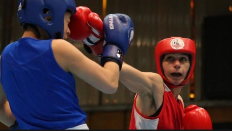 Габриела Димитрова елиминирана на Мондиала по бокс за жени