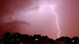 Слънце и гръмотевични бури, възможни са и градушки