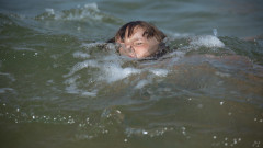 Пазете децата в морето: удавянето не се случва като по филмите