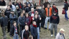 Фенове и футболисти търсят сметка от Касев