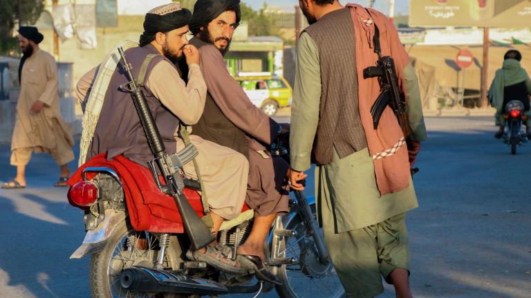 Голяма експлозия удари шиитска джамия в южния афганистански град Кандахар