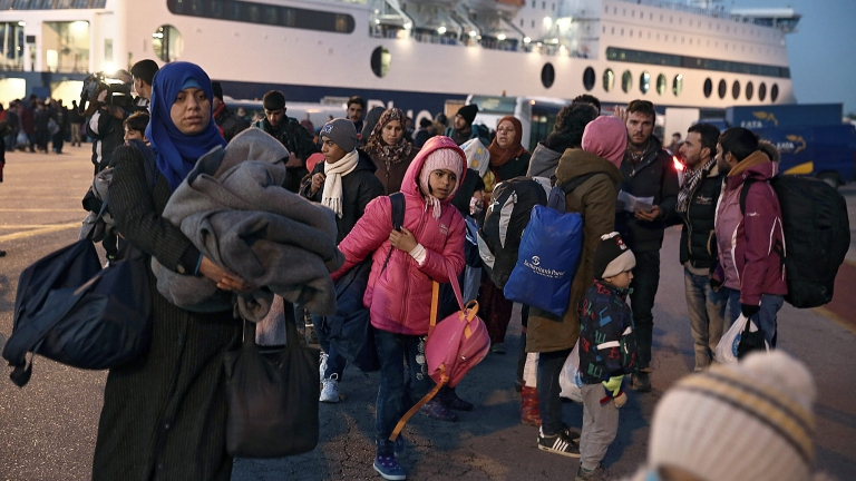 Бежанец почина при сбиване в Гърция