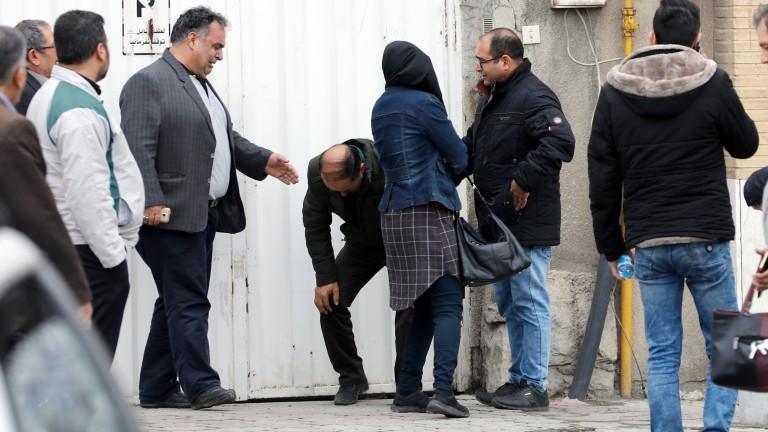 Иранската телевизия Press TV съобщава, че екипите по издирване и