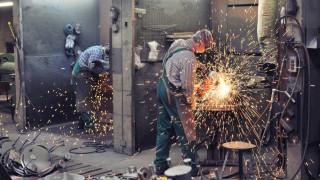 Производството в Германия записа най-големия си спад от 2015-а насам