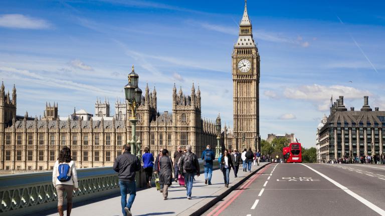 Лондон въвежда нова такса от 10 лири за по-старите коли