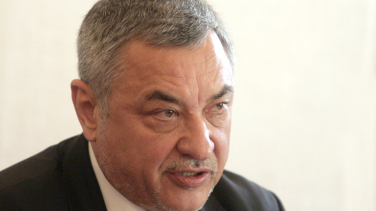 Симеонов: Гебрев подкопа руски интереси за доставки на оръжия