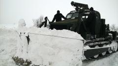 И Военноморските ни сили помагат за пробиване на снега