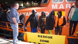 Най-малко 70 мигранти се удавиха, десетки изчезнали край Тунис