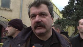 Батков увеличи акциите си в Левски