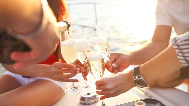 Първото, с което свързваме шампанското, сигурно е новогодишната нощ. И