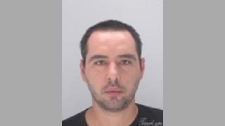 Полицията във Варна издирва 35-годишен мъж