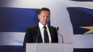 Гръцкото правителство обмисля нови бюджетни съкращения