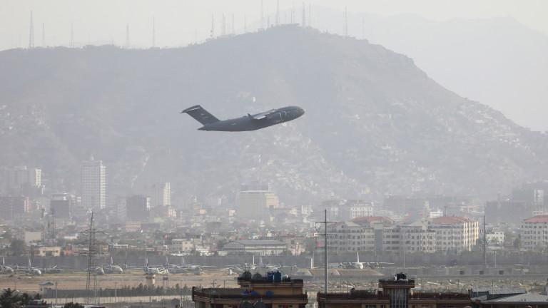 САЩ очакват следващата седмица още бежанци от Афганистан