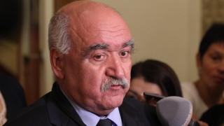 Депутатите освободиха проф. Камен Плочев от шефското място в НЗОК
