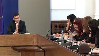 Дянков спасява бюджета с вдигане на здравната вноска